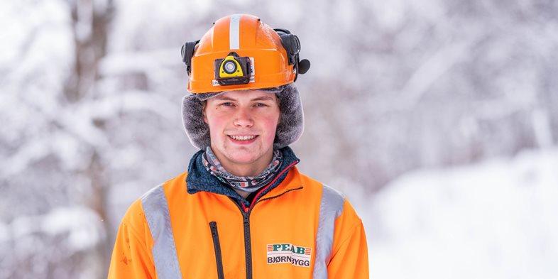 Tømrerlærling Christian Leon Guttormsen i Peab Bjørn Bygg