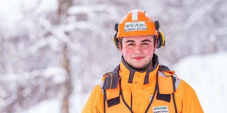 Tømrerlærling Mathias Johansen i Peab Bjørn Bygg